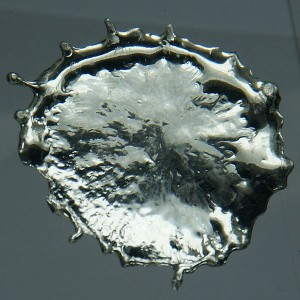 A blob of tin! Image by Jurii for Wikimedia